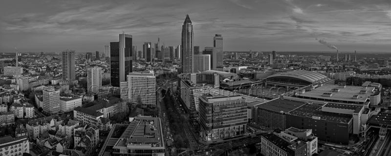 Skyline Frankfurt Panoramafotos in Schwarzweiß 31