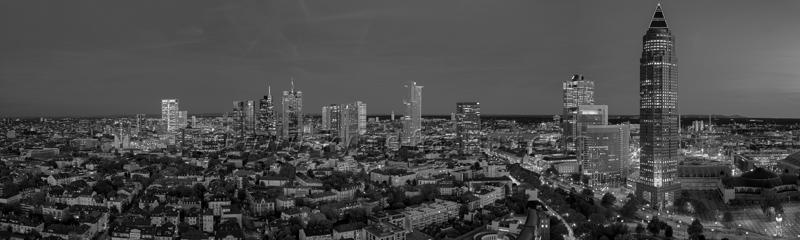 Skyline Frankfurt Panoramafotos in Schwarzweiß 39
