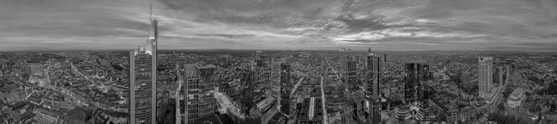 Skyline Frankfurt Panoramafotos in Schwarzweiß 17