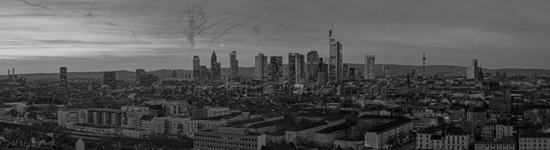 Skyline Frankfurt Panoramafotos in Schwarzweiß 25