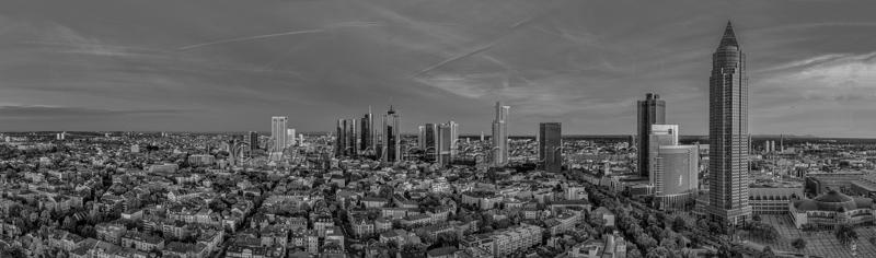 Skyline Frankfurt Panoramafotos in Schwarzweiß 37