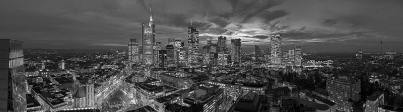 Skyline Frankfurt Panoramafotos in Schwarzweiß 49