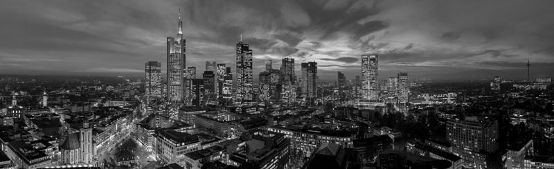 Skyline Frankfurt Panoramafotos in Schwarzweiß 52