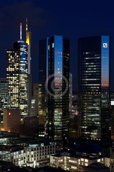 Skyline Frankfurt im Hochformat 15