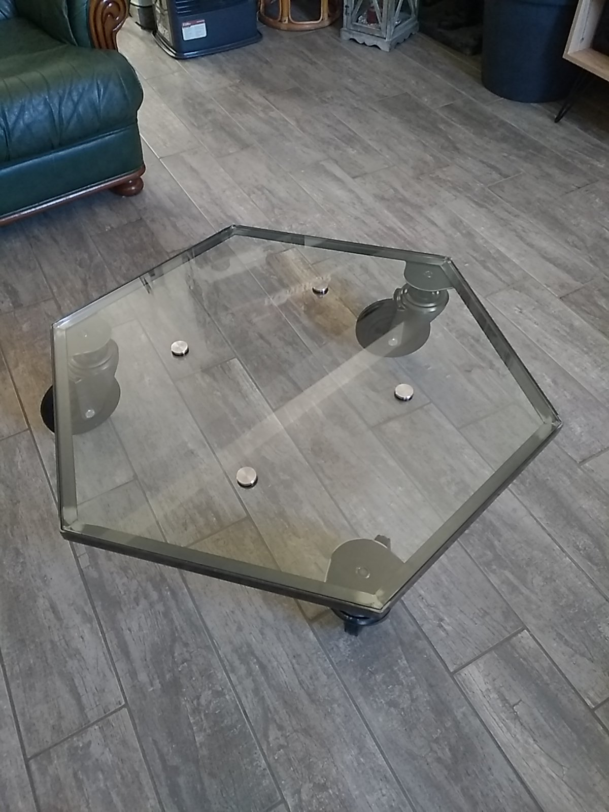 PLATEAU EN VERRE RECYCLE EN TABLE BASSE