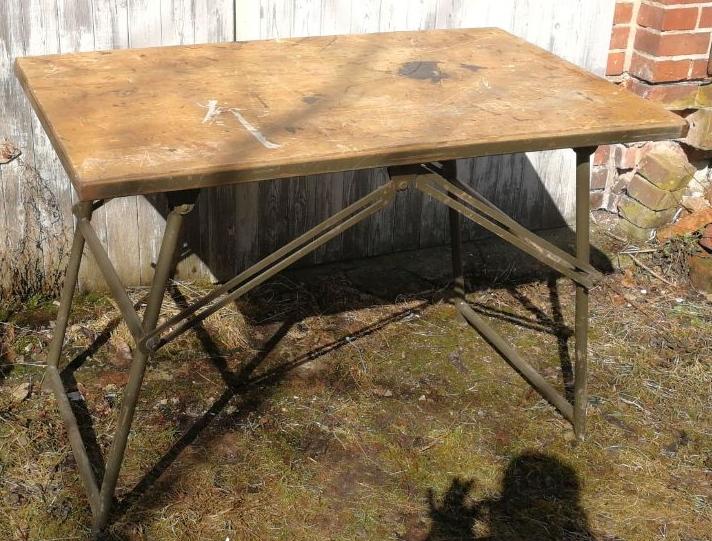 Wir verkaufen alte Tische & Tresen LADENEINRICHTUNGEN - VILLATERRA ...
