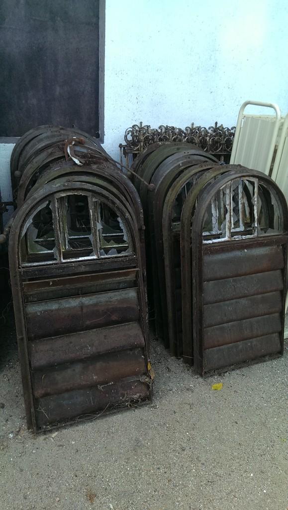 Hier bieten wir viele verschiede alte fabrikfenster - Fenster scharniere kaputt ...