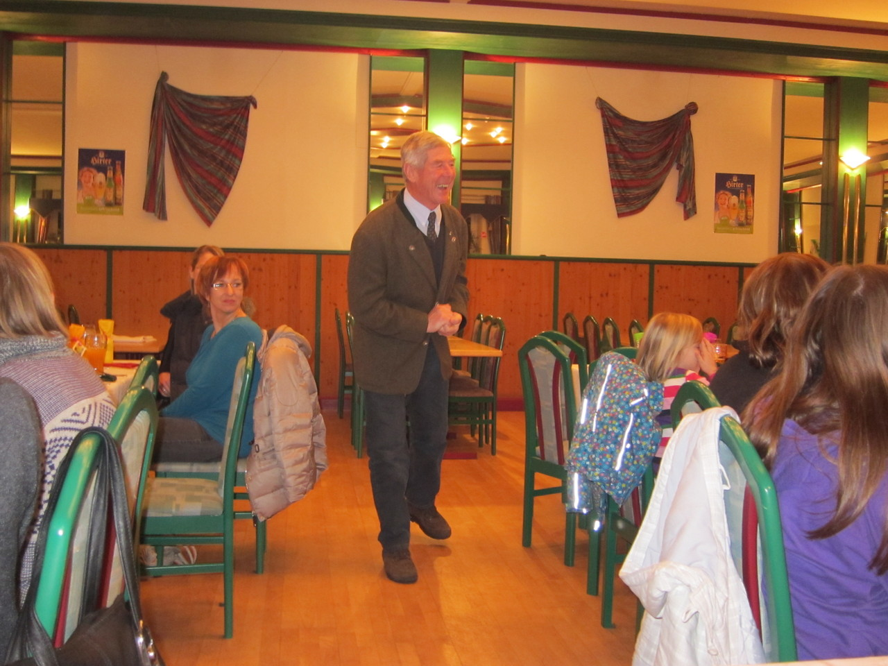 Unser Ehrenmitglied Anton-Dieter Ulm bedankt sich bei unseren Obmann!