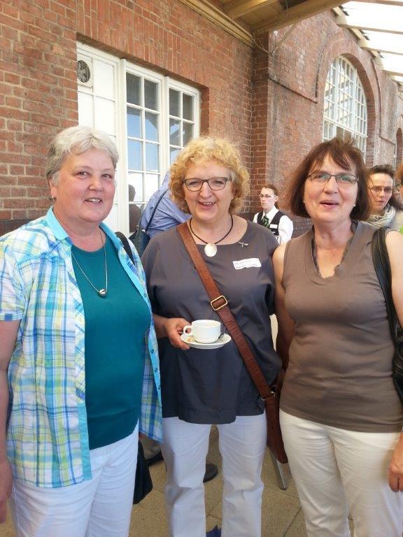 Anke Oest, Annette Jaeger und .....