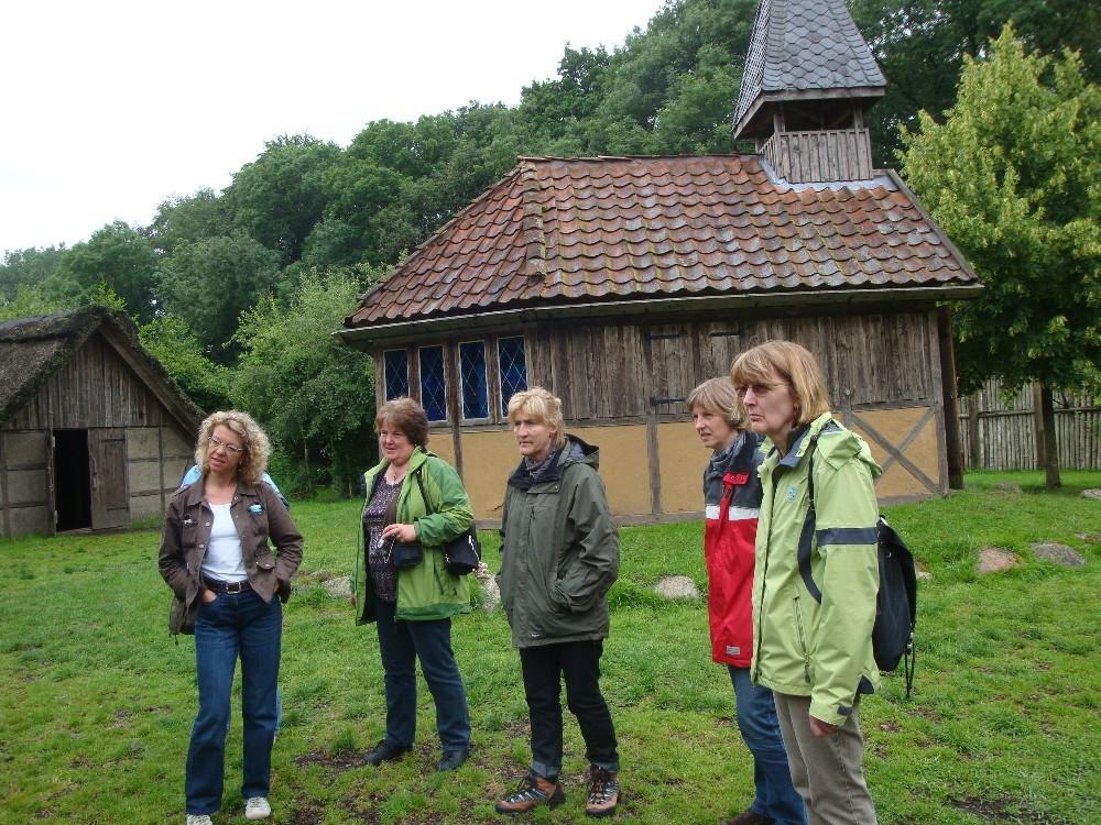 In dem Mittelalterdorf in Hörne