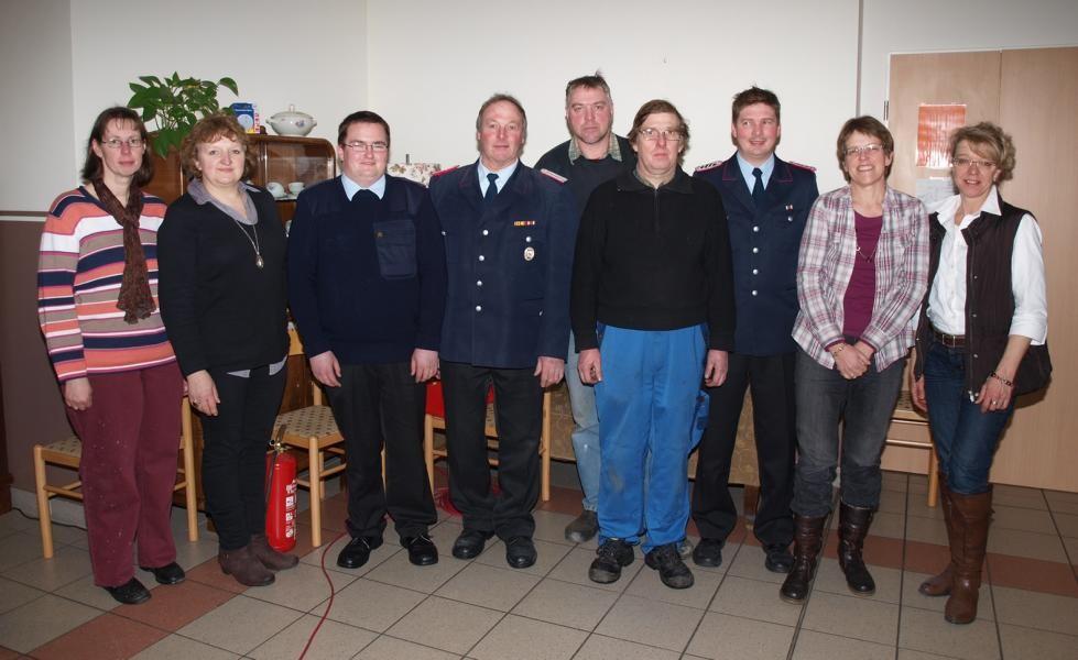 Vorstand mit Vortragenden der Feuerwehr