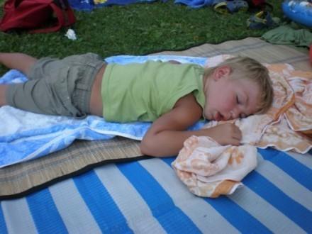 ... ist Tobias ganz müde!