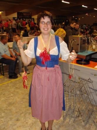 Miss Dirndl (mit den meisten Notenschlüsseln)