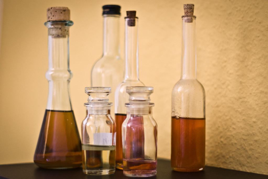 Die warmen Kräuteröle sind Spezialöle, ...