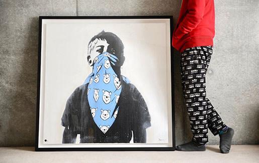 DOLK(ドルク) の最人気作品Teddy Riot(しかもキャンバス )を額装しました。