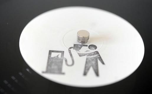Banksy(バンクシー)×blur(ブラー)のレコードを額装しました。