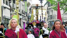 Paso de Misterio a su paso por la plaza de San Felipe. Semana Santa de 2012