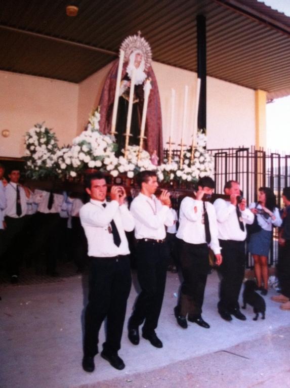 Antigua salida procesional en pariguelas