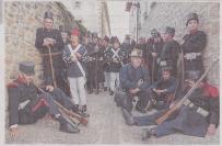 Soldados del ejército liberal esperan para entrar en escena. (Foto: Montxo A.G.)