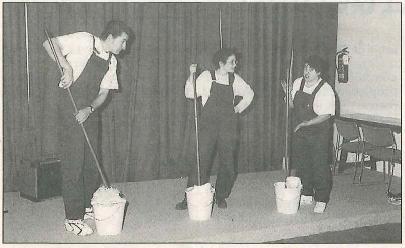 ACTORES. Miembros de Kilkarrak, en la representación (Foto: Chandía)