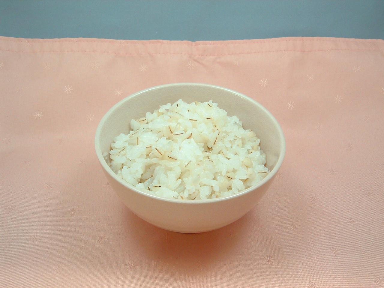 ご飯 効果 麦 もち麦ご飯、夜はダメな意外過ぎる理由とは!効果的な食べ方を伝授!