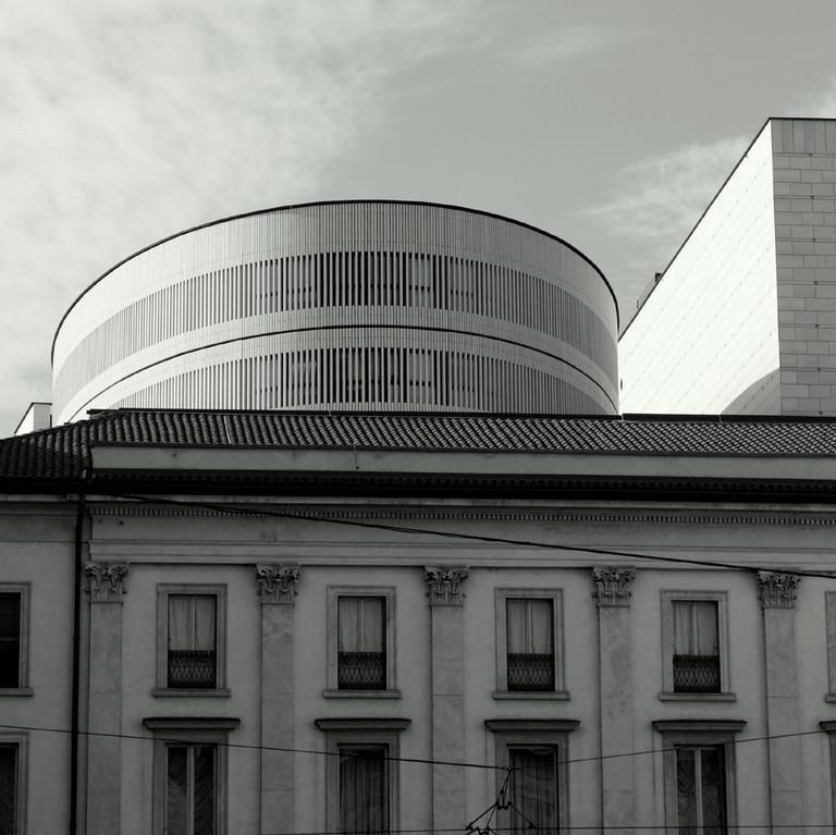MODERNE UND HISTORISCHE ARCHITEKTUR