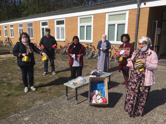 MOSAIK & FIT-Team näht mit und für Flüchtlinge Masken
