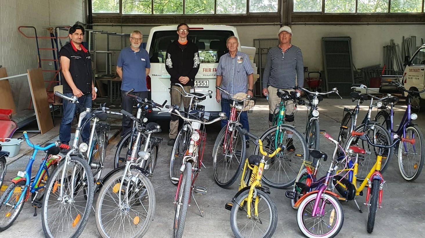 Butting-Akademie unterstützt FIT-Fahrradwerkstatt des Fördervereins