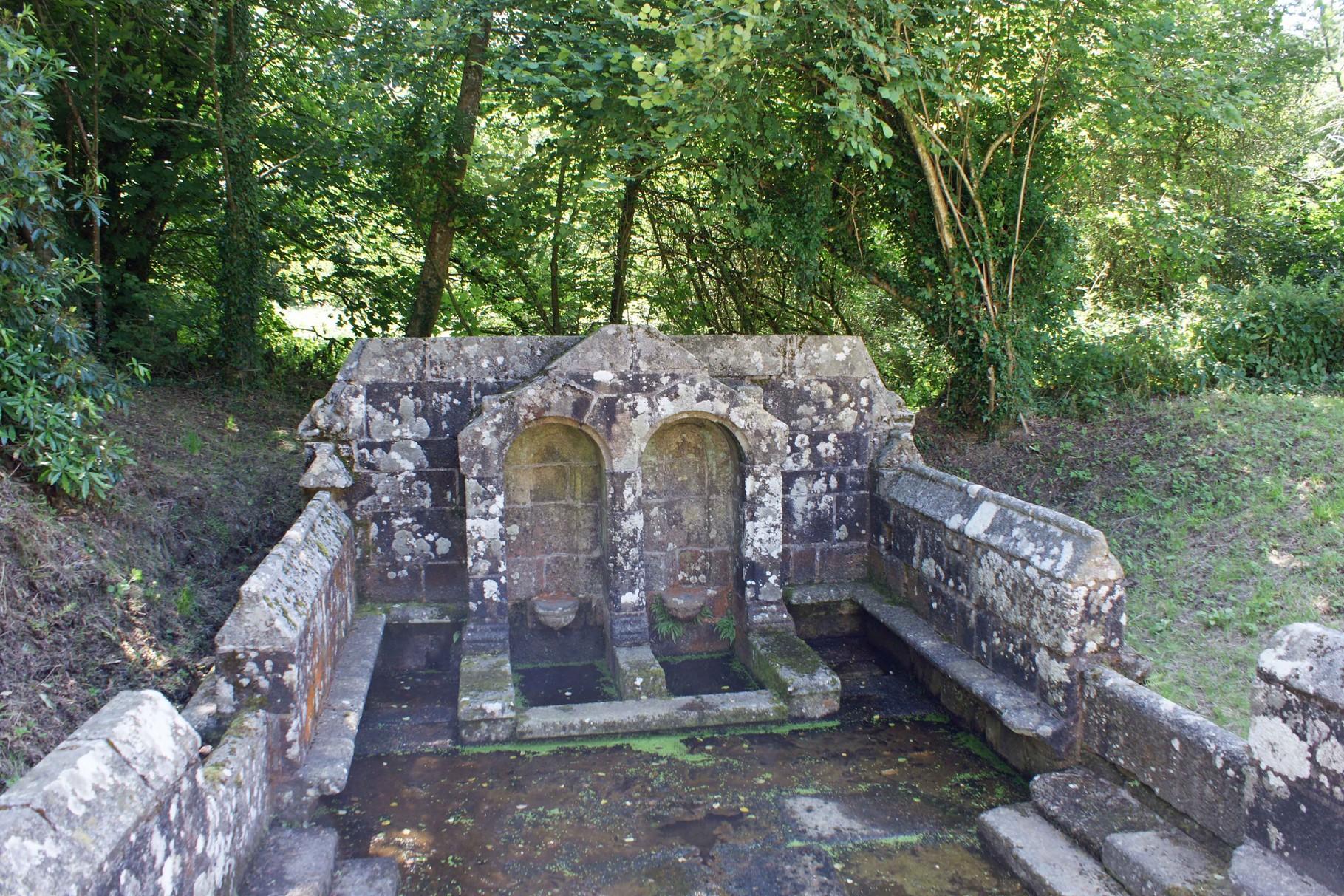 Fontaine du Coq Bulat Pestivien
