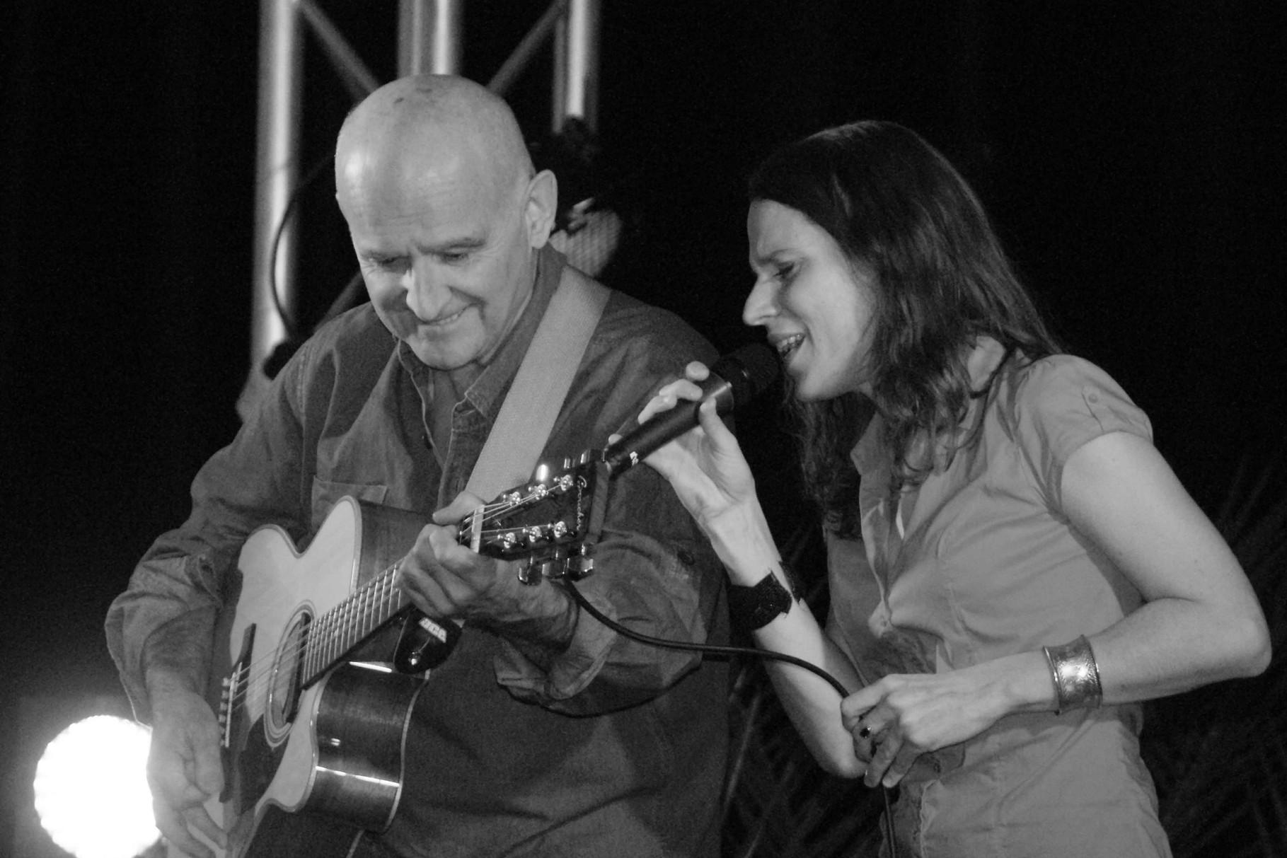 Dan Ar Braz et Clarisse Lavanant, concert de Ploézal