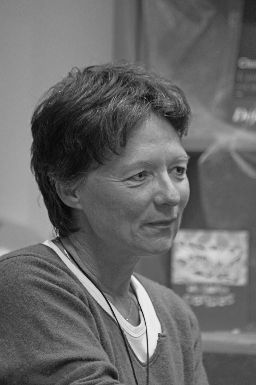 """Claudie Gallay ~ Rencontre à la librairie Gwalarn à Lannion pour son roman : """"une part de ciel"""" (Editions Acte Sud)  8 octobre 2013"""