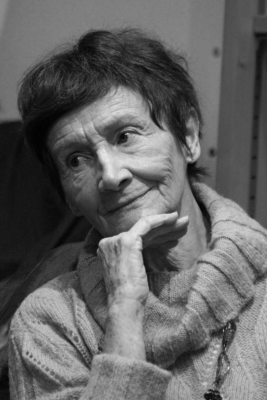 """Claude Pujade-Renaud ~ Rencontre à la librairie Gwalarn à Lannion pour son roman : """" Dans L'ombre de la Lumière"""" (Actes Sud) 18 février 2014"""
