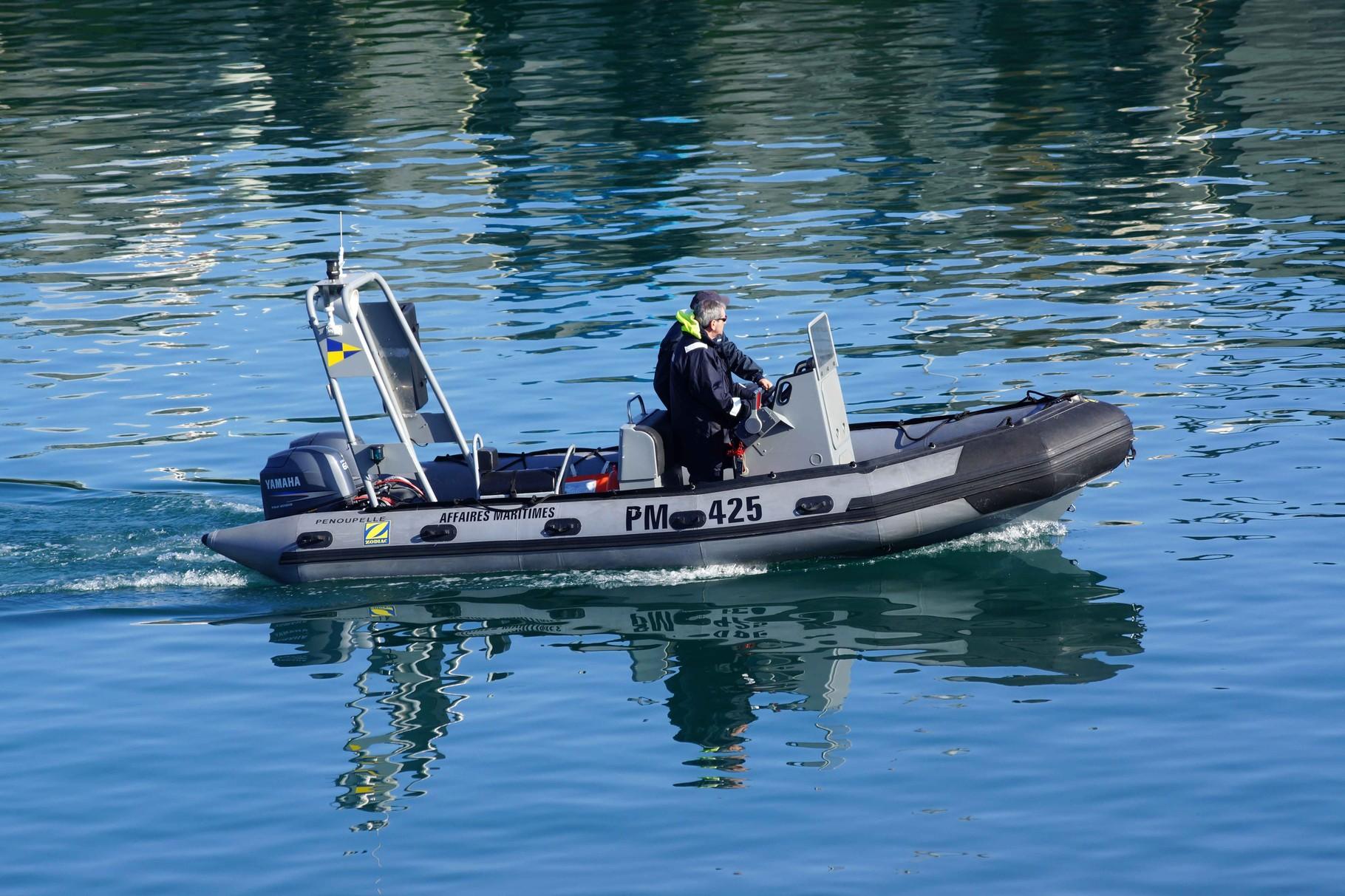 Penoupelle (Semi-Rigide de surveillance ; 4,85 m / 1,90 m ~ Affaires Maritimes ~ Roscoff) PM 425