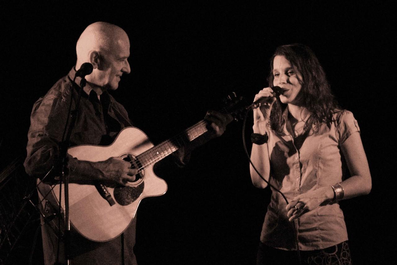 Dan Ar Braz et Clarisse Lavanant (Concert de Ploëzal)