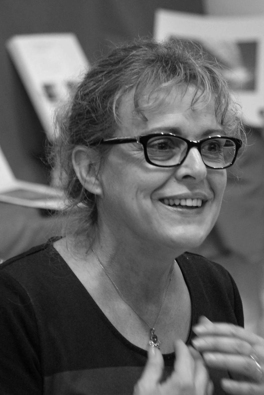 """Frédérique Martin ~ Rencontre à la Librairie Gwalarn à Lannion pour son """"Sauf quand on les aime"""" aux éditions Belfond, Vendredi 21 novembre 2014"""