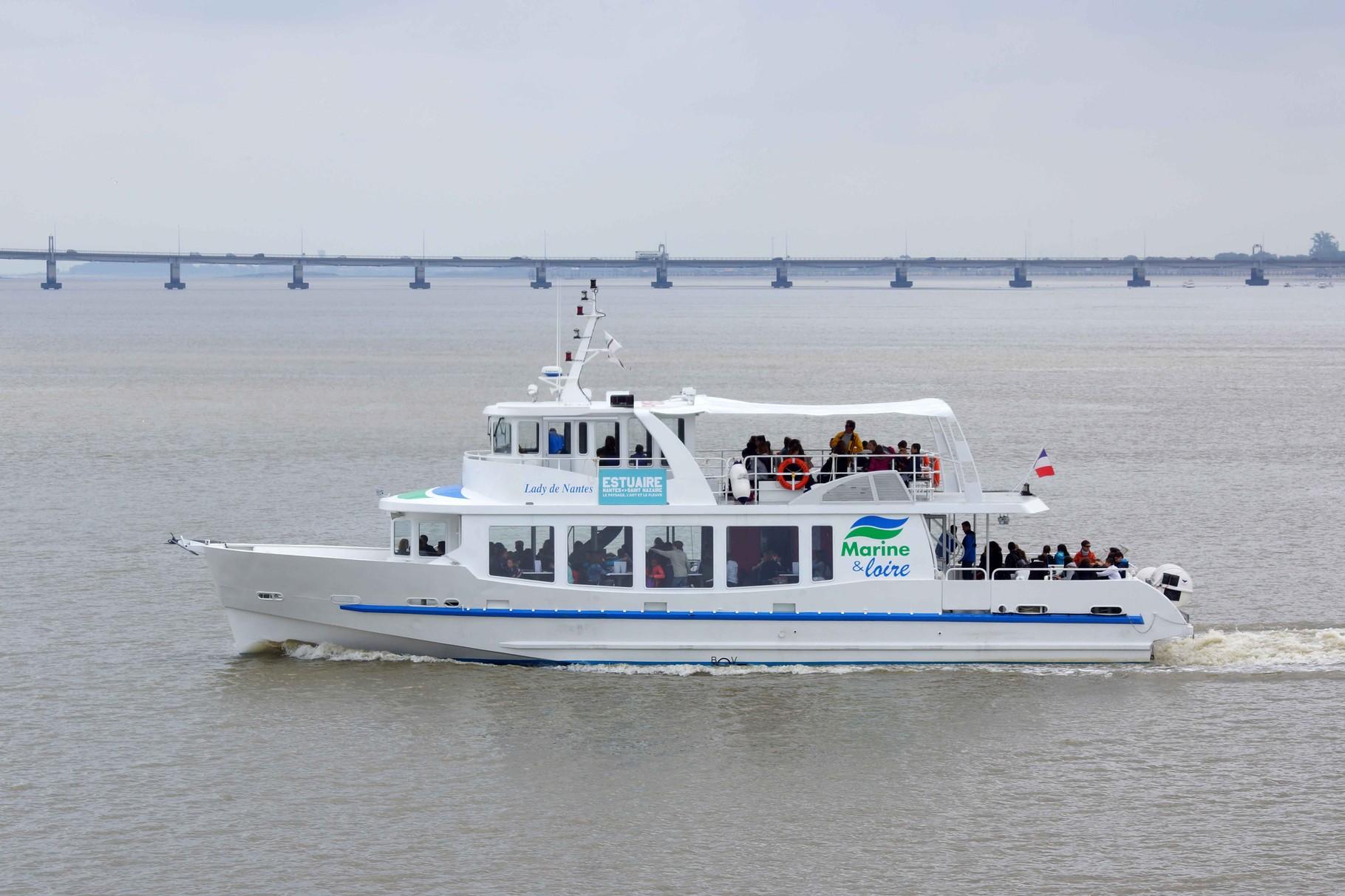 Lady De Nantes (Navire de visites touristiques ; 21,50 m / 6,30 m ~ Nantes), anciennement  Zohar à Brest