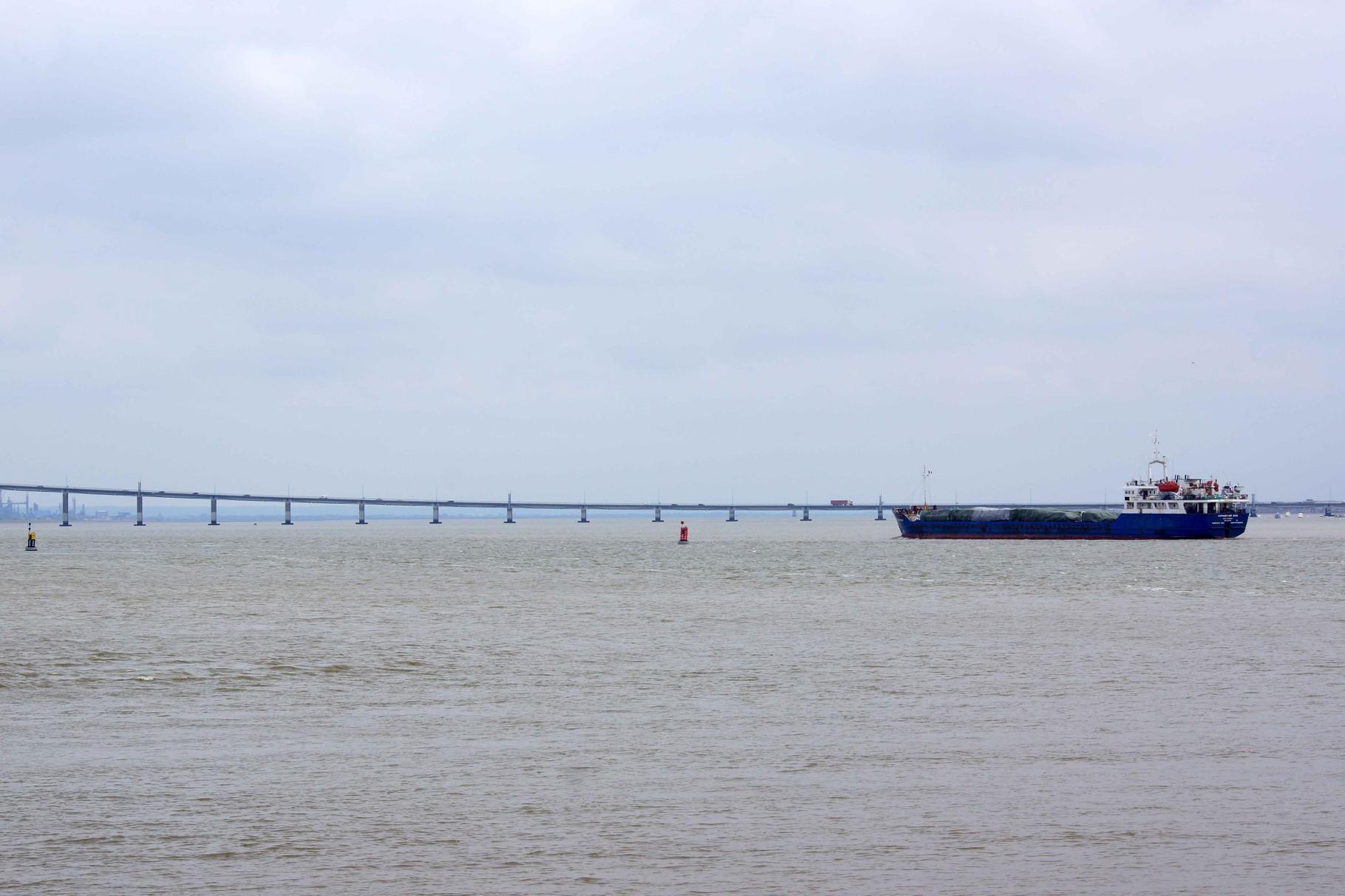 Cargo sur Loire