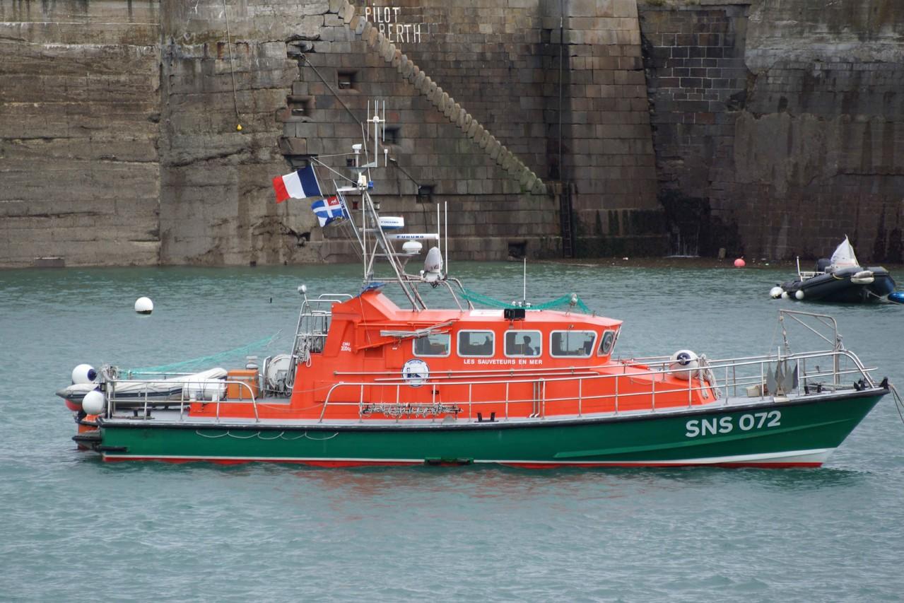 Pourquoi Pas II (Station de Saint Malo ; 17,60 m / 4,40 m), mmsi : 227004090 ; sns 072