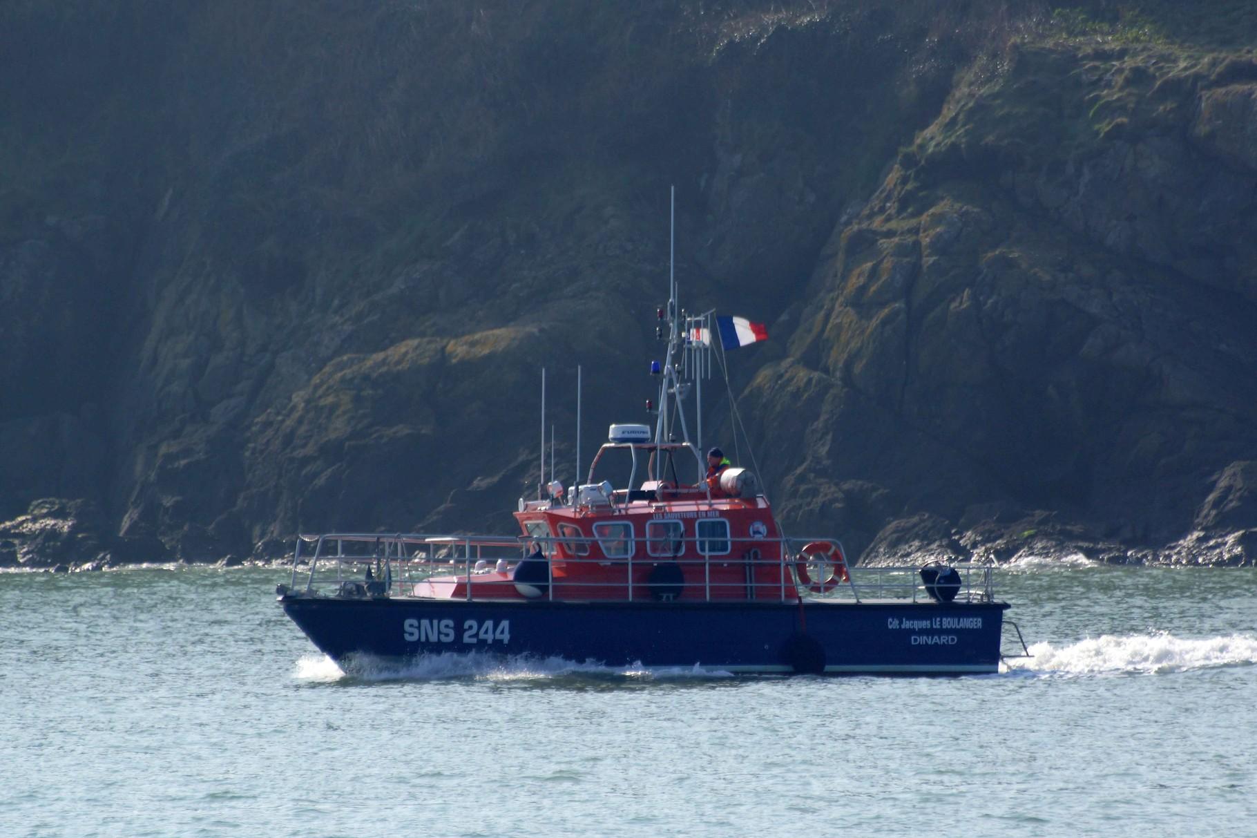 Commandant Jacques Le Boulanger (Station de Dinard ; 11 m / 5 m), mmsi : 227003720 ; sns 244