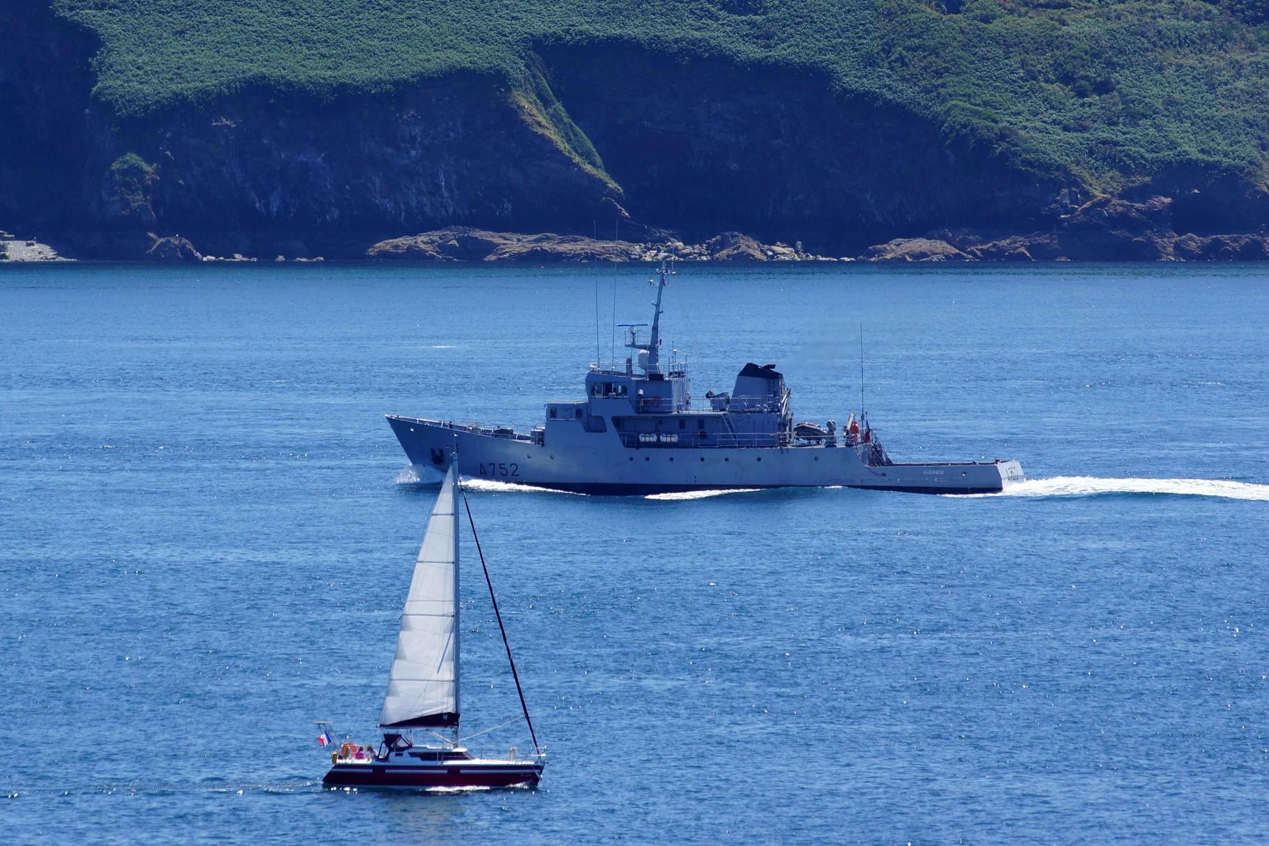 L'école Navale en formation dans le Goulet de Brest