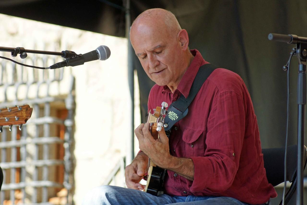 Dan Ar Braz (Guitares celtes, La Roche Jagu)