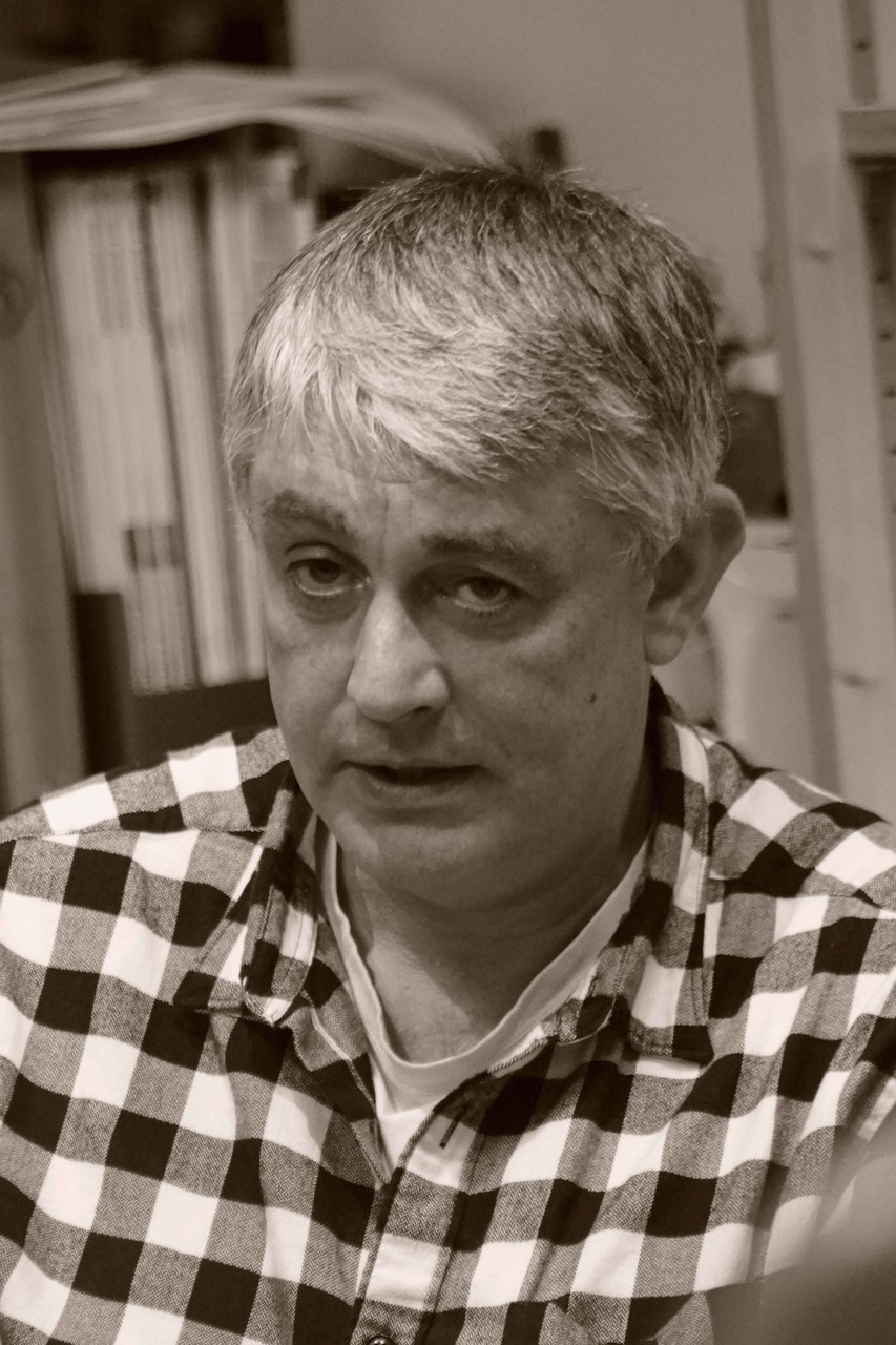"""Iain Levison ~ Rencontre à la Librairie Gwalarn pour son roman """"Ils savent tout de vous """" aux éditions Liana Levi ~ 30 octobre 2015"""