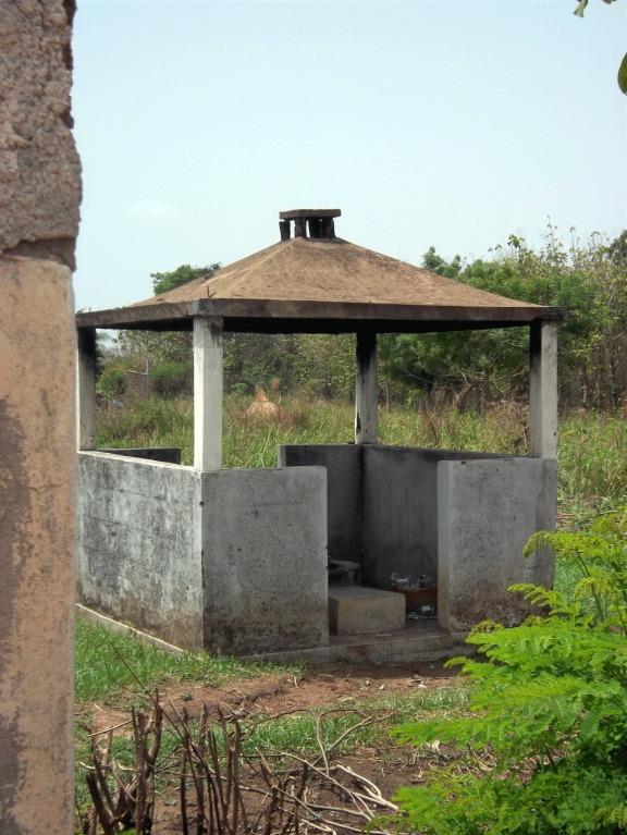 l'emplacement construit pour brûler les déchets médicaux