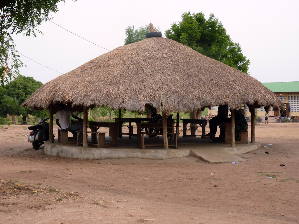 la salle des profs du lycée de Kpédomé