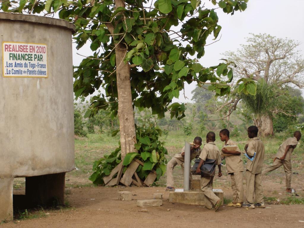 la cuve d'eau utilisée par les collégiens et lycéens