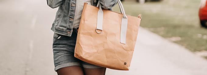 Rucksack und Tasche aus Papier