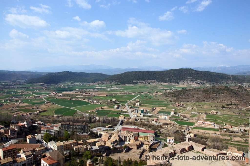 Ausblick, im Hintergrund die Pyrenäen