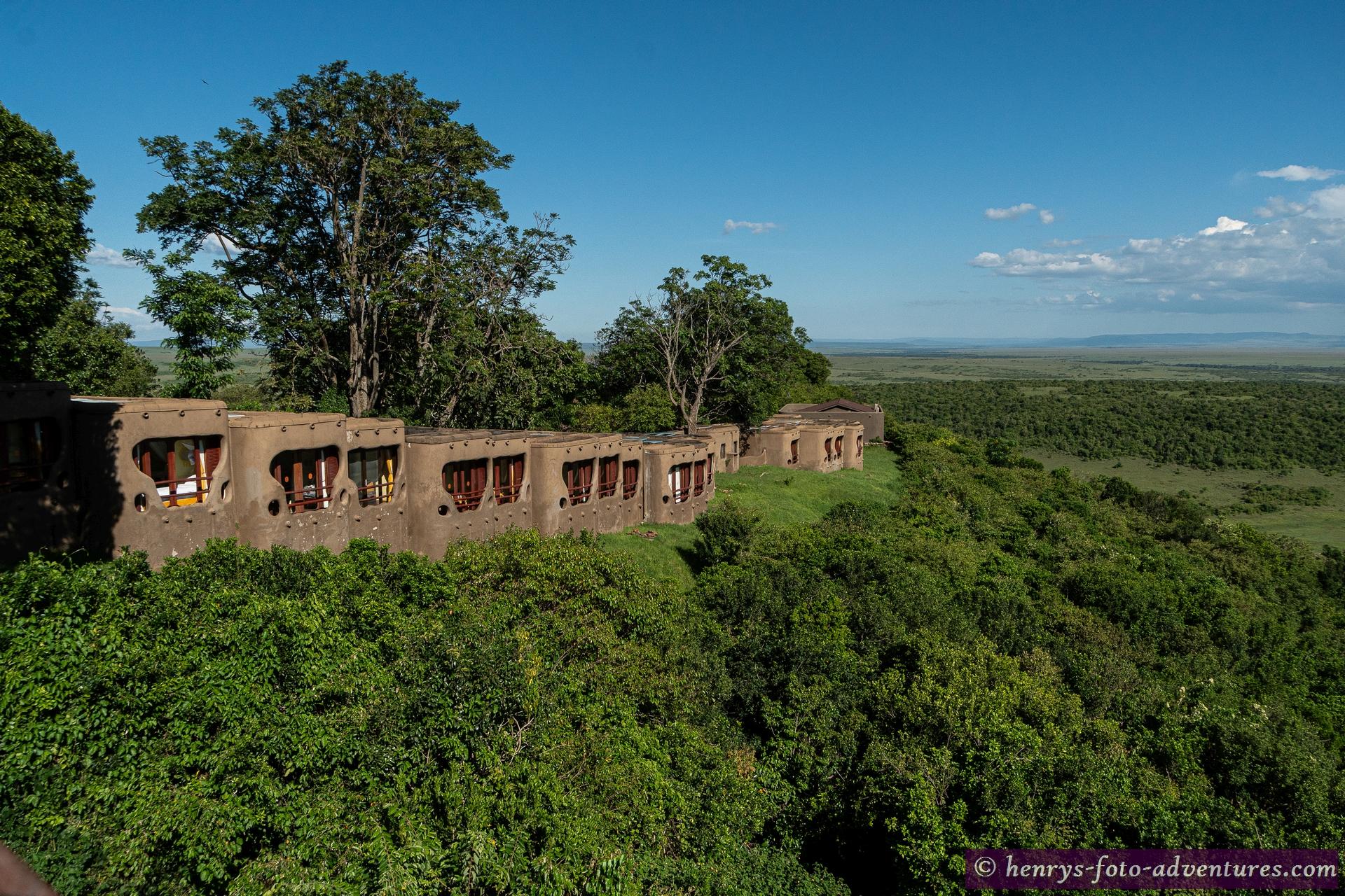 auf einem Hügel gelegen sind die Häuschen an die Landschaft angepasst