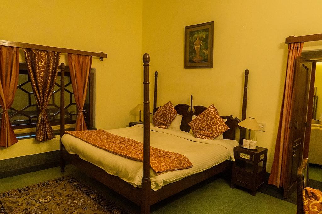 """Karauli, """"Bhanwar Vilas Palace"""", die Suite der Maharadja-Schwester gehörte uns"""