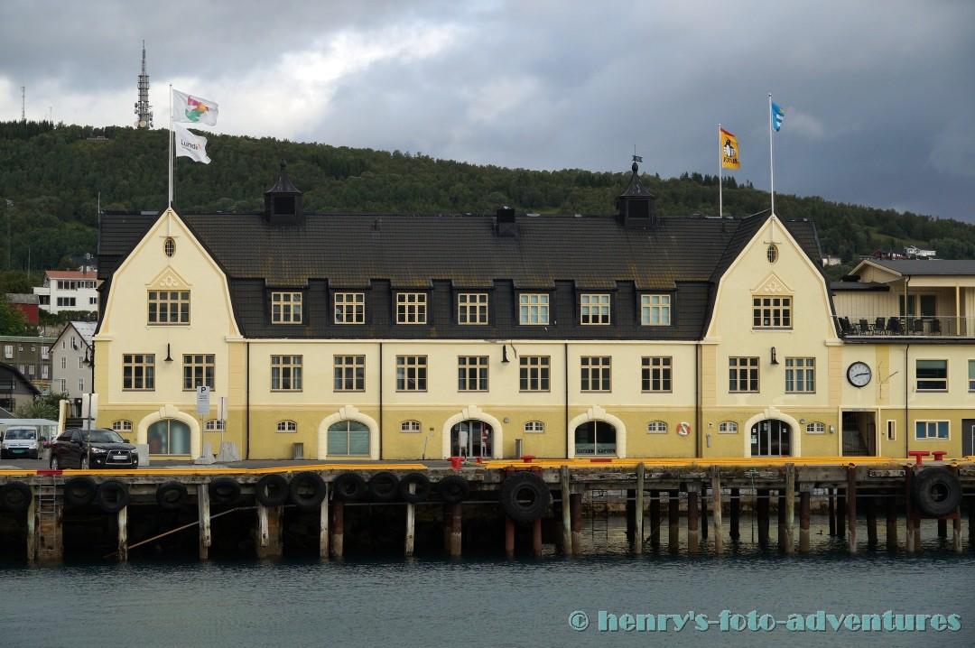 wir legen an in Harstad und gehen von Bord